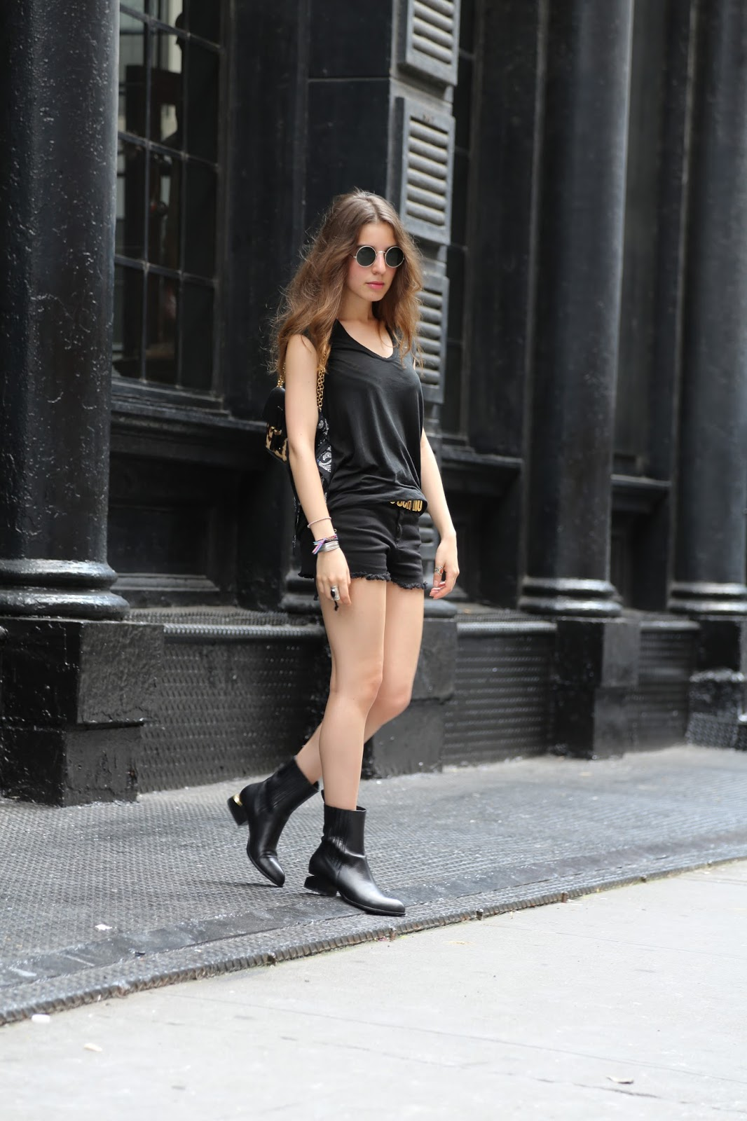 black_outfit_sarahnait