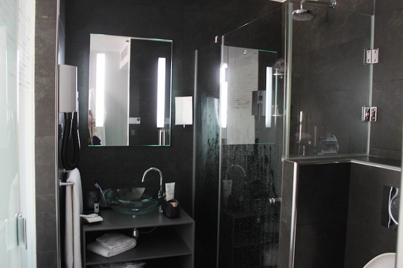 salle_de_bain_lyric_hotel_paris