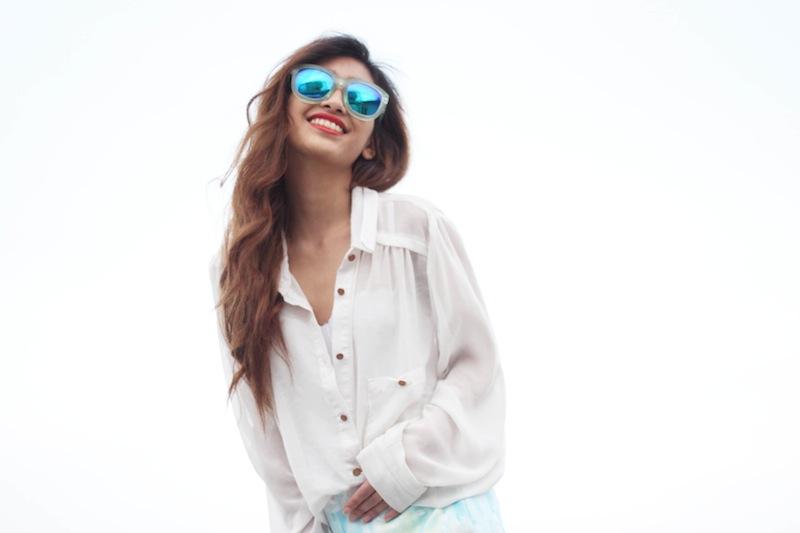 blouse blanche transparente